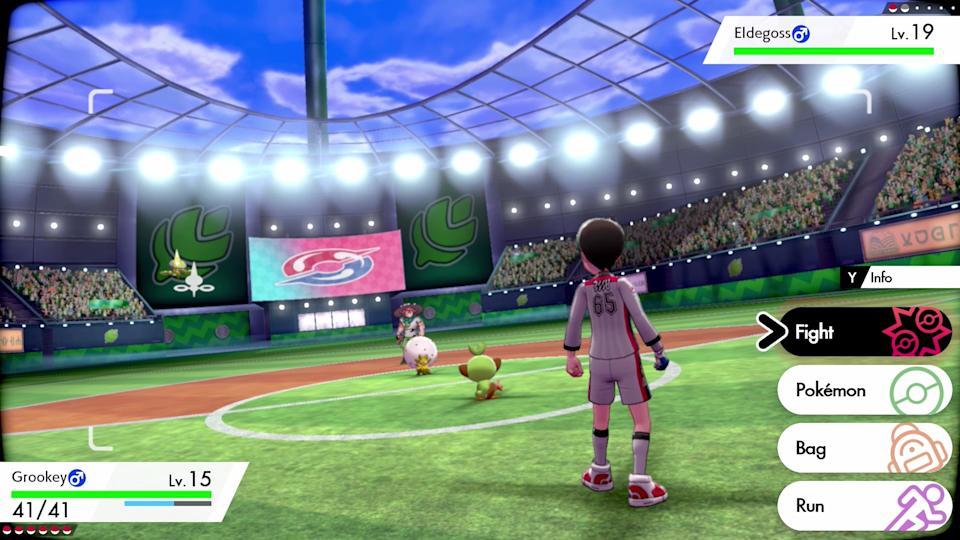 Gym battles in 'Sword' and 'Shield' take place in huge stadiums that make the fights feel like a true sport. (Image: Nintendo)