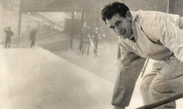 """<span class=""""element-image__caption"""">Emilio Aldecoa, who fled Spain after the Guernica bombing, went on to play for Wolverhampton Wanderers and here he helps clear snow off the Molineux pitch.</span> <span class=""""element-image__credit"""">Photograph: ANL/REX/Shutterstock</span>"""