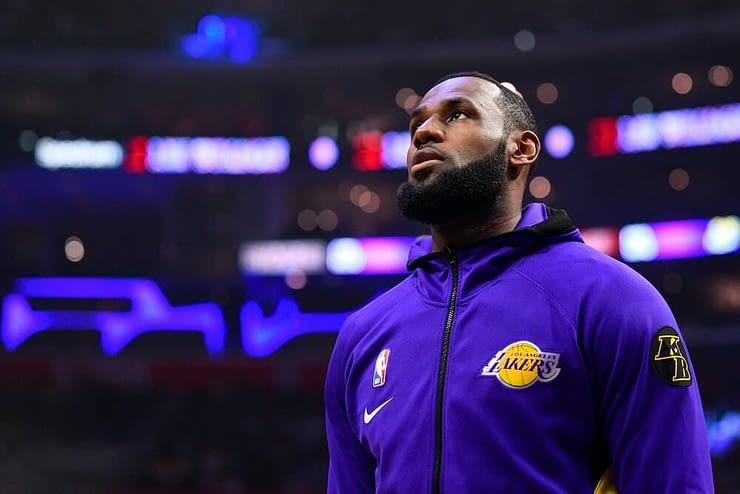 EMac gives his favorite NBA DFS picks for Yahoo + DraftKings + FanDuel daily fantasy basketball lineups including LeBron James   Thursday 2/18