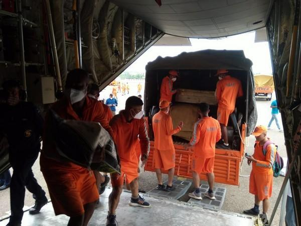 NDRF team preparing to leave for Gujarat. (Photo/ANI)