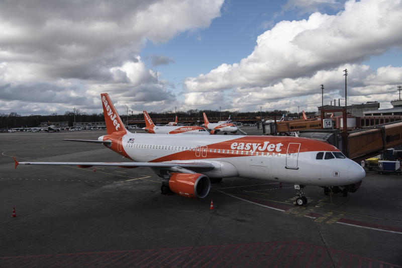 Aircraft of the company easyJet are located at Tegel Airport. Photo: Paul Zinken/picture alliance via Getty Images