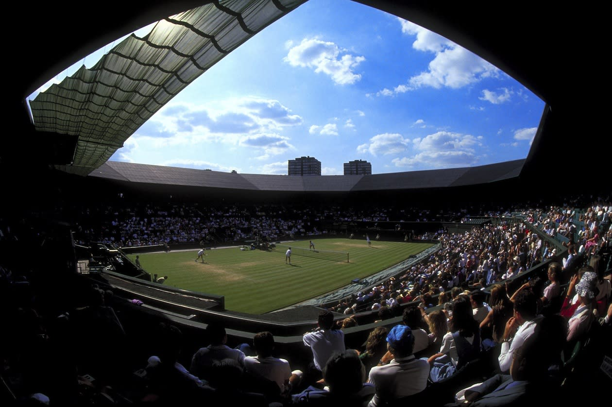 """<p class=""""MsoNormal""""><span>In <b>2009</b>, a new retractable roof was unveiled over Centre Court. The schedule of Wimbledon is somewhat at the mercy of the infamous British summer weather, so the roof does come in handy to balance possible logjams. Ironically, if memory serves, 2009 saw a perfect two-week heat wave and the roof wasn't needed. </span></p>"""
