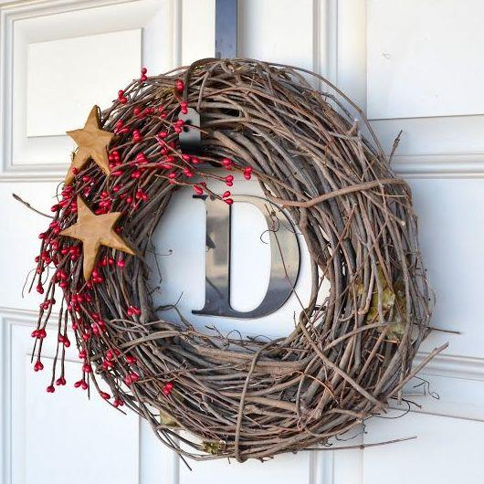 "<p>For a cheap and cheerful wreath this Christmas why not fasten some twigs together and decorate with a few decorations. If you want to make it even more chic why not spray paint it a metallic hue.<a rel=""nofollow"" href=""https://craftgawker.com""><em> [Photo: Craft Gawker]</em></a> </p>"