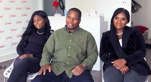 PHOTO: Kenneth Wimberly, center, poses with his daughters, Ashley Thomas, left, and Latoya WImberly. (WPVI)