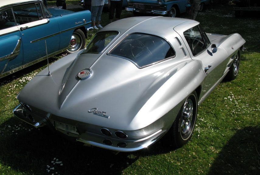 <p>The second generation Sting Ray marked the first fixed-roof Corvette coupe. The split rear window, which was featured only in 1963, is instantly recognizable.</p>