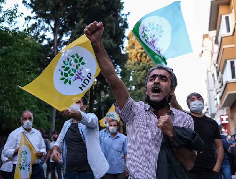 HDP supporters protest against governmentEPA