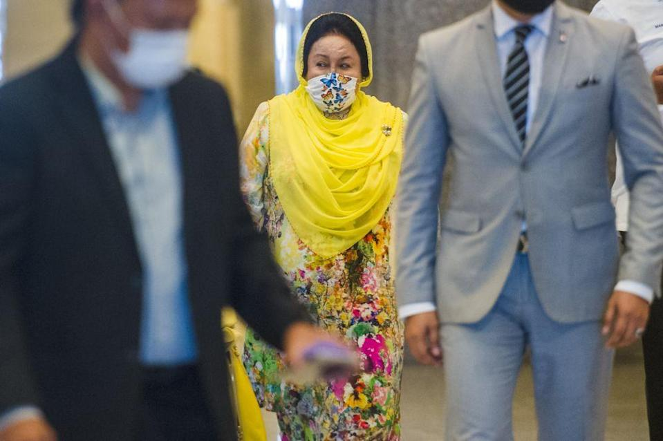 Datin Seri Rosmah Mansor is pictured at the Palace of Justice in Putrajaya April 8, 2021. — Picture by Shafwan Zaidon