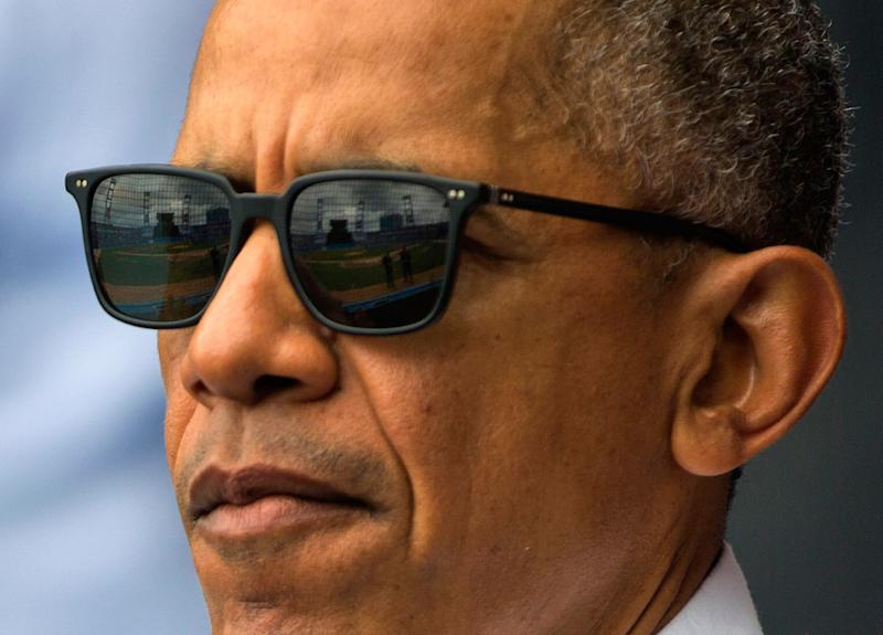 4882793a433231 'Cool' President Obama Wears $485 Sunglasses