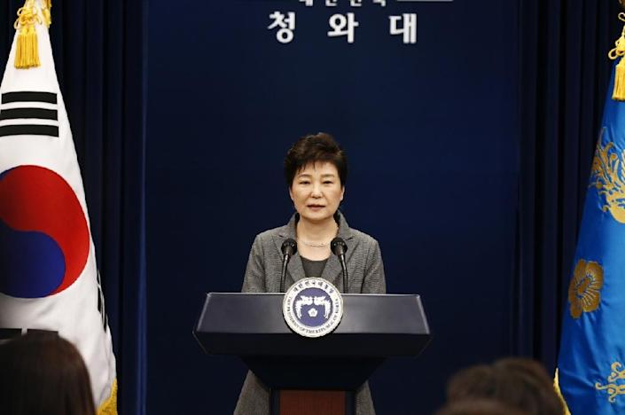 South Korean President Park Geun-Hye addresses the nation from the presidential Blue House in Seoul, on November 29, 2016 (AFP Photo/Jeon Heon-Kyun)
