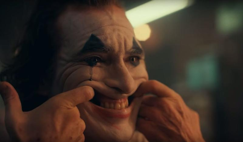 Arthur's transition into the Joker, seen in a screencap from the first teaser. (Warner Bros.)