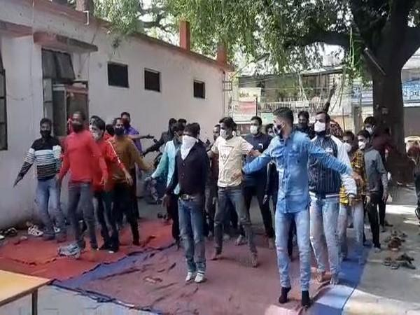 Visual of goons doing exercise in Indore.