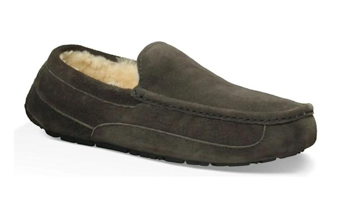 The men's Ascot Slippers have amazing reviews from buyers.