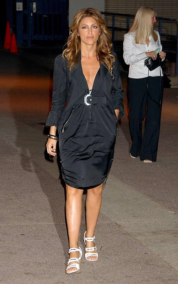"Jennifer Esposito's frumpy black ensemble doesn't do her figure justice. Gregg DeGuire/<a href=""http://www.wireimage.com"" target=""new"">WireImage.com</a> - July 22, 2007"