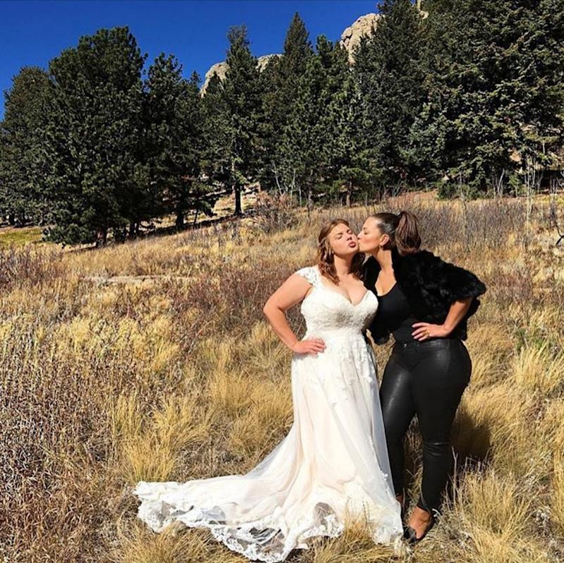Ashley Graham is not your traditional role model — so it's no surprise that she bucked sartorial tradition at her sister's wedding. (Photo: Courtesy of Instagram/adriennelandau)