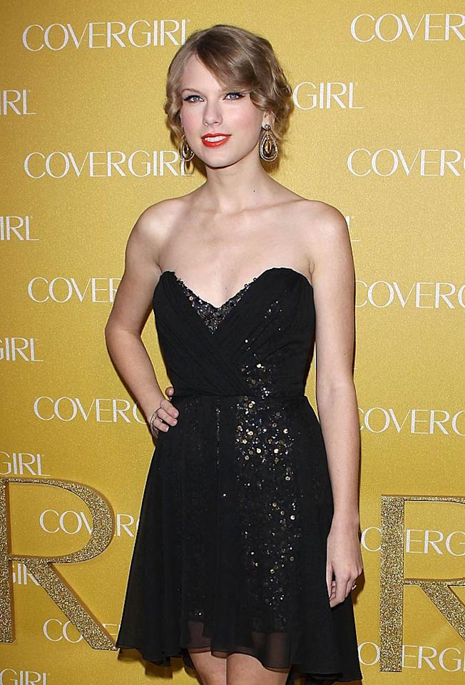 """But don't feel too bad for Taylor. We're sure the bubbly young singer will have no trouble finding someone new to add to her list of boyfriends. In addition to Jake, she's dated Joe Jonas, Taylor Lautner, and is rumored to have even had a fling with John Mayer. Michael Tran/<a href=""""http://filmmagic.com/"""" target=""""new"""">FilmMagic.com</a> - January 5, 2011"""