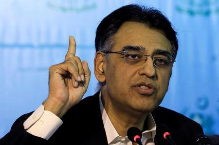 Image result for Pakistan finance minister says to step down after talks with Khan