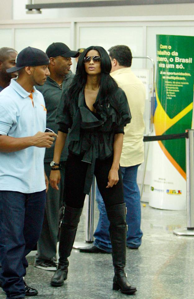 "R&B star Ciara looked antsy to start her vacay and hit the sand upon arriving at Rio International Airport. <a href=""http://www.infdaily.com"" target=""new"">INFDaily.com</a> - October 25, 2009"