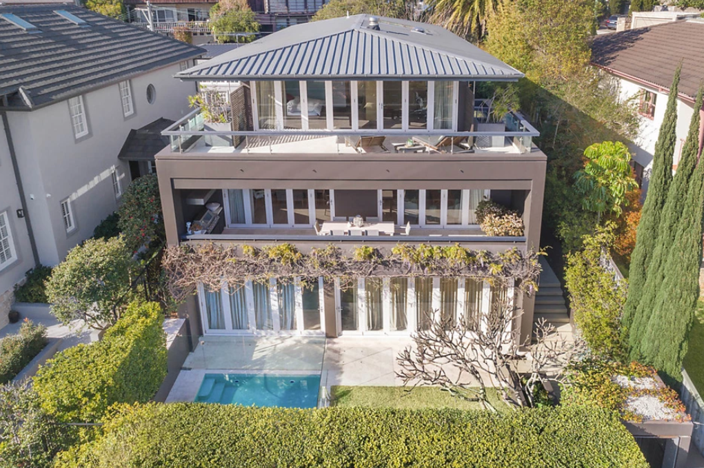 <p>The Hopetoun Avenue house is situated in the exclusive suburb of Vaucluse, just over 20 minutes out from the Sydney CBD. <br />Photo: Ray White Double Bay </p>