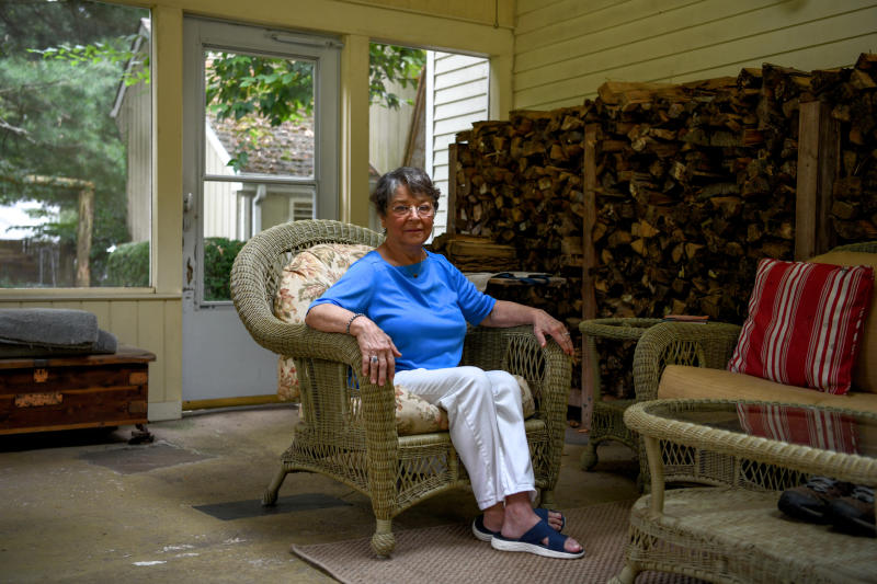Lindsay Dina, who takes an online course that helps older people spot online misinformation, at home in Easton, Conn., Sept. 9, 2020. (Desiree Rios/The New York Times)