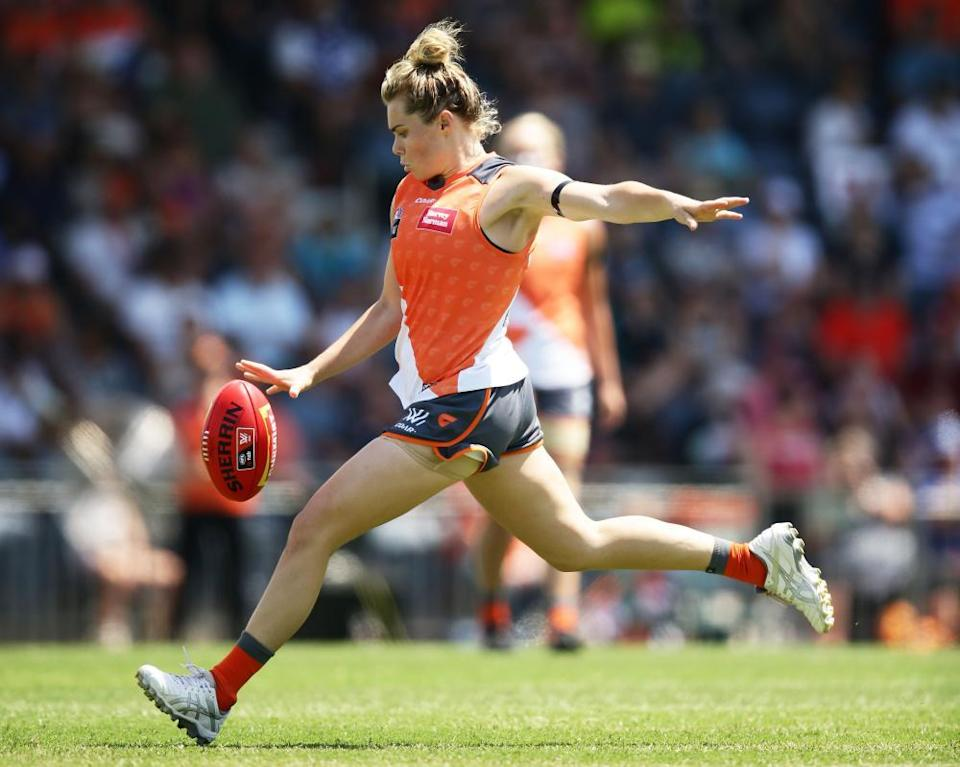 Jacinda Barclay of the Giants kicks during the Women's round three match between Greater Western Sydney Giants and Fremantle Dockers.