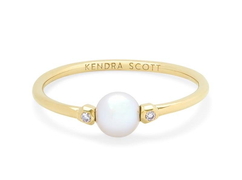 Cathleen 14k Yellow Gold Band Ring In Pearl. Image via Kendra Scott.