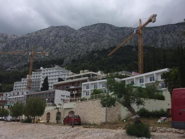 British holidaymakers book hotel that 'hasn't been built yet'