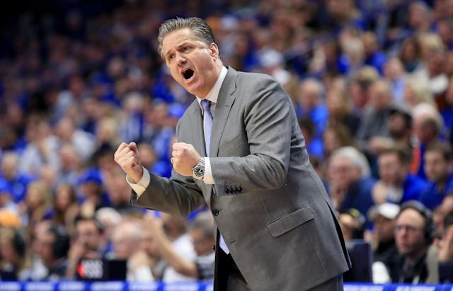 "Kentucky's John Calipari gives instructions to his team during their win over the <a class=""link rapid-noclick-resp"" href=""/ncaaf/teams/tennessee/"" data-ylk=""slk:Tennessee Volunteers"">Tennessee Volunteers</a> at Rupp Arena on Saturday. (Getty)"