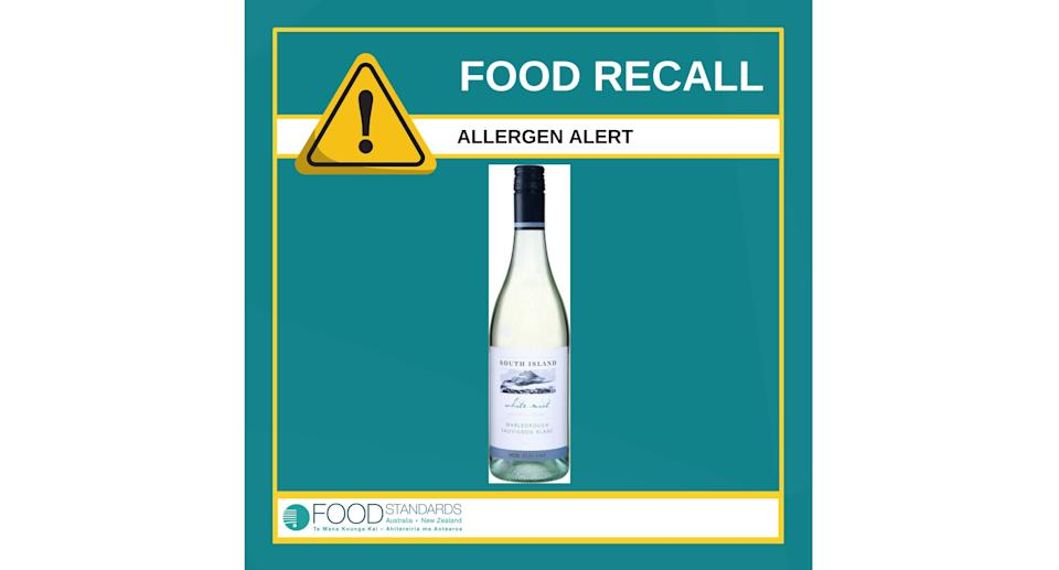 A recall alert graphic for 750ml bottles of South Island White Mist sauvignon blanc due to the presence of an undeclared allergen. Source: Food Standards Australia