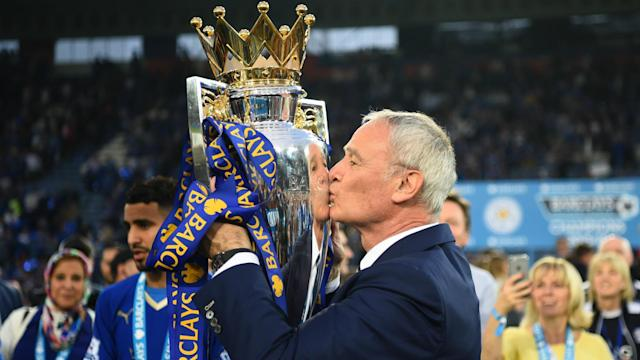 Former Leicester City strikers Alan Smith and Tony Cottee have expressed their anger at Claudio Ranieri's removal as manager.