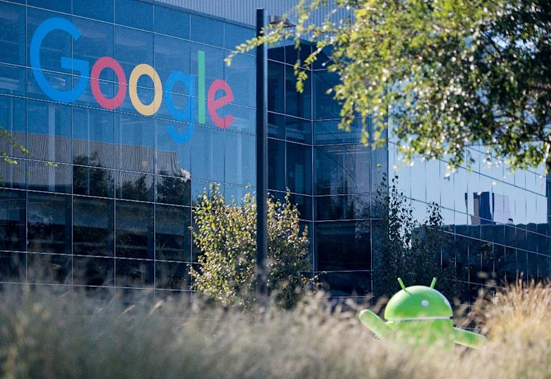 Google's Android domintes the market, running most smartphones in the world (AFP Photo/JOSH EDELSON)