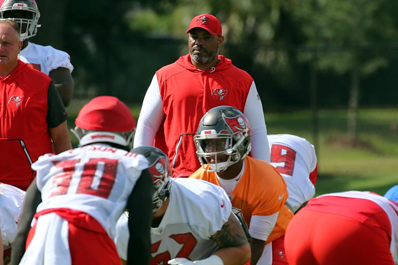 TAMPA, FL - JUNE 06: Assistant Head Coach / Run Game Coordinator Harold Goodwin of the Tampa Bay Buccaneers watches the offensive drill during the Buccaneers Minicamp on June 06, 2019 at One Buccaneer Place in Tampa,FL. (Photo by Cliff Welch/Icon Sportswire via Getty Images)