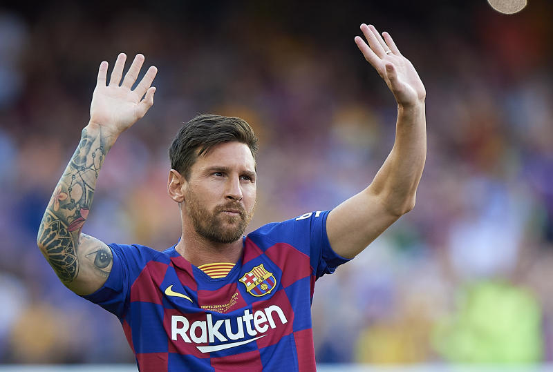 BARCELONA, SPAIN - AUGUST 04: Lionel Messi of Barcelona looks on prior the Joan Gamper Trophy match between FC Barcelona and Arsenal FC at Camp Nou on August 4, 2019 in Barcelona, Spain. (Photo by Pablo Morano/MB Media/Getty Images)