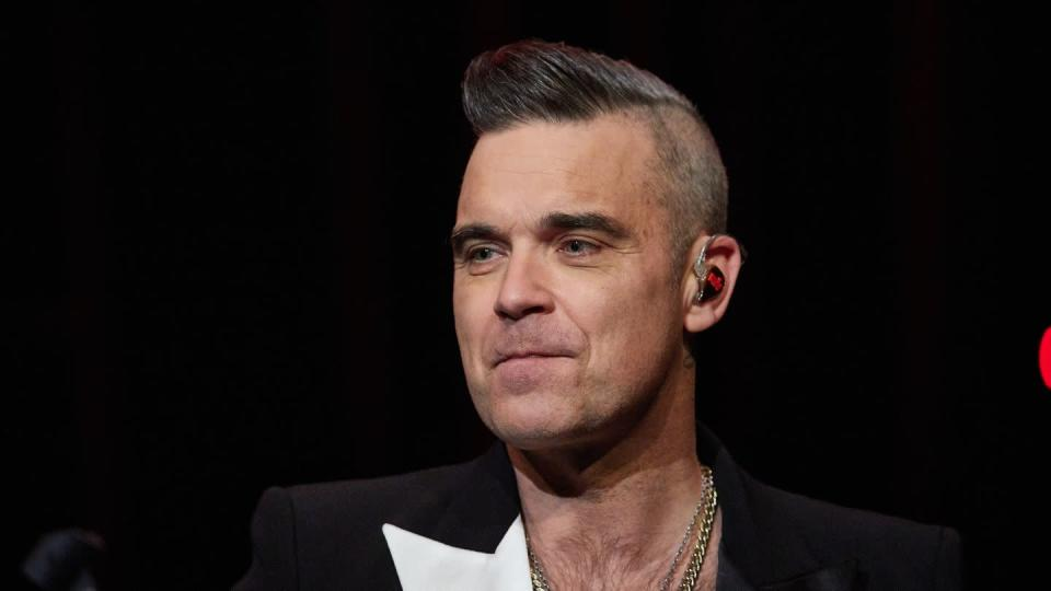 Robbie Williams 2019 in Hamburg bei einem Fankonzert.