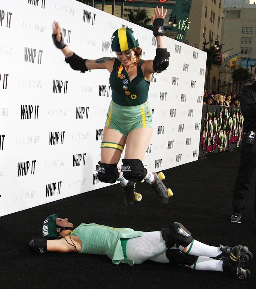 "Derby Dolls at the Los Angeles premiere of <a href=""http://movies.yahoo.com/movie/1810036665/info"">Whip It!</a> - 09/29/2009"