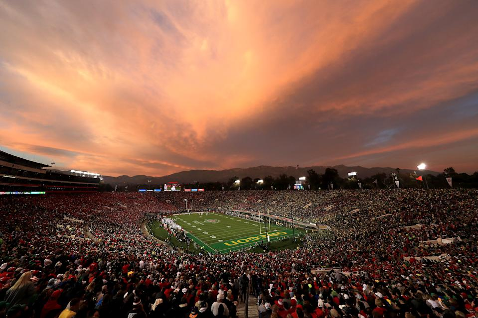 PASADENA, CALIFORNIA - JANUARY 01: A general view of the stadium as the sun sets as the Oregon Ducks play the Wisconsin Badgers during the third quarter in the Rose Bowl game presented by Northwestern Mutual at Rose Bowl on January 01, 2020 in Pasadena, California. (Photo by Sean M. Haffey/Getty Images)