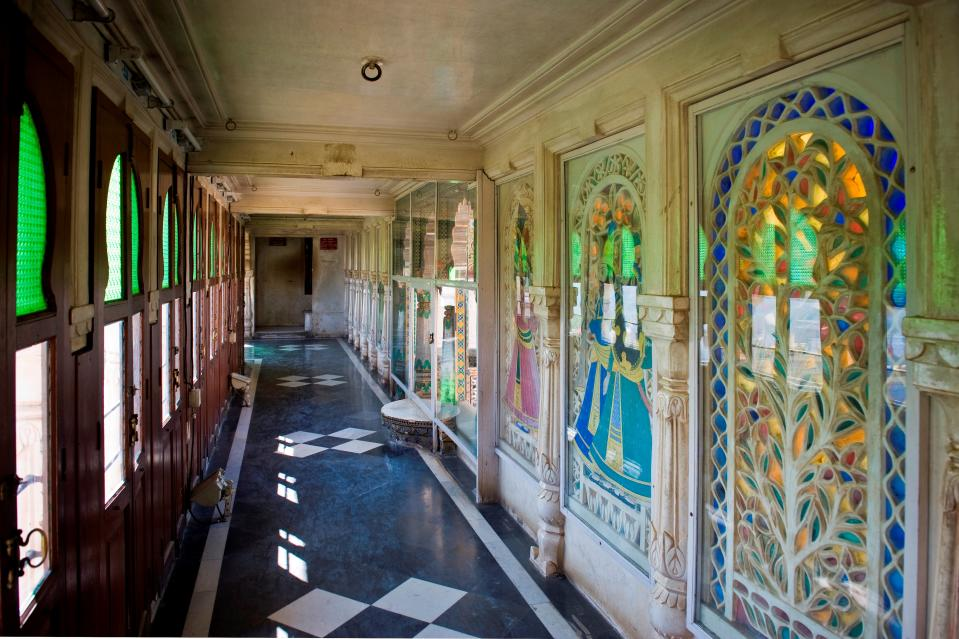 Krishna Vilas is another chamber, which has a rich collection of miniature paintings that portray royal processions, festivals and games of the Maharanas.