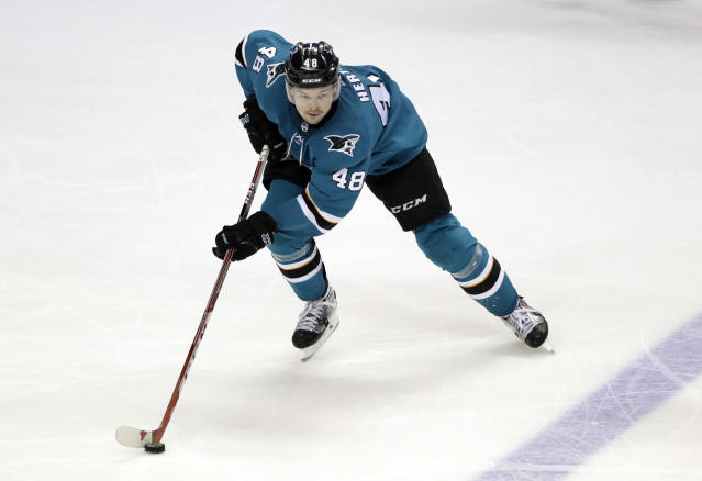 "<a class=""link rapid-noclick-resp"" href=""/nhl/teams/san/"" data-ylk=""slk:San Jose Sharks"">San Jose Sharks</a>' <a class=""link rapid-noclick-resp"" href=""/nhl/players/5697/"" data-ylk=""slk:Tomas Hertl"">Tomas Hertl</a> is heating up at the right time. (AP Photo/Marcio Jose Sanchez)"