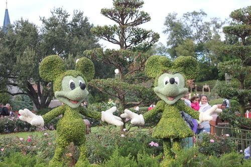 Mickey and Minnie topiaries