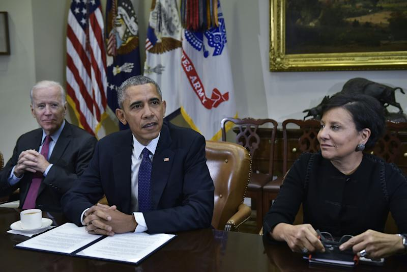 US President Barack Obama speaks alongside Commerce Secretary Penny Pritzker following a meeting with his economic team in the Roosevelt Room of the White House on March 4, 2016 in Washington, DC. / AFP / Mandel Ngan (Photo credit MANDEL NGAN/AFP via Getty Images)