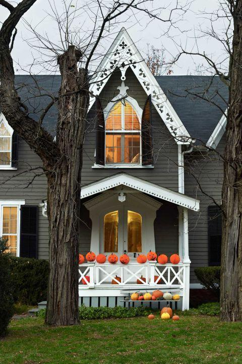 "<p>Turn you home into a house of horrors with surprises that will make guests jump around every bend.</p><p><strong>Get ideas at <a href=""https://www.brit.co/diy-haunted-house/"" rel=""nofollow noopener"" target=""_blank"" data-ylk=""slk:Brit + Co"" class=""link rapid-noclick-resp"">Brit + Co</a>.</strong></p><p><strong><a class=""link rapid-noclick-resp"" href=""https://www.amazon.com/besttoyhome-Artificial-Thanksgiving-Decorating-Embellishing/dp/B07FZ283HD/ref=sr_1_1?tag=syn-yahoo-20&ascsubtag=%5Bartid%7C10050.g.4620%5Bsrc%7Cyahoo-us"" rel=""nofollow noopener"" target=""_blank"" data-ylk=""slk:SHOP FAUX PUMPKINS"">SHOP FAUX PUMPKINS</a><br></strong></p>"