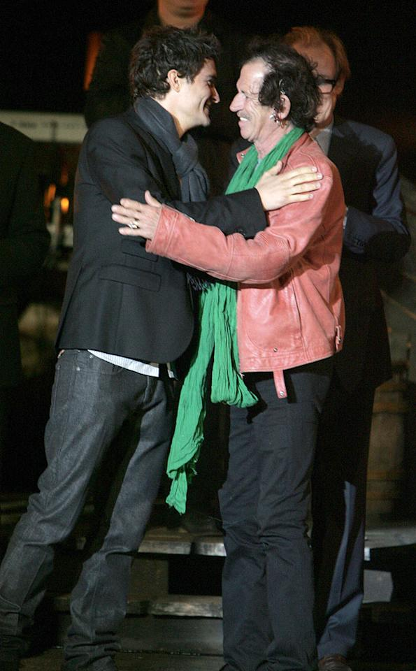 "Orlando and Keith Richards hug it out. Steve Granitz/<a href=""http://www.wireimage.com"" target=""new"">WireImage.com</a> - May 19, 2007"
