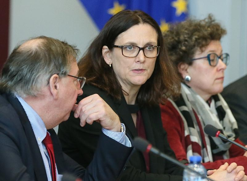 European Commissioner for Trade Cecilia Malmstrom (L) pictured before a meeting with US trade representative and Japan's economy minister at the European Commission headquarters in Brussels on March 10, 2018 (AFP Photo/Stephanie LECOCQ)
