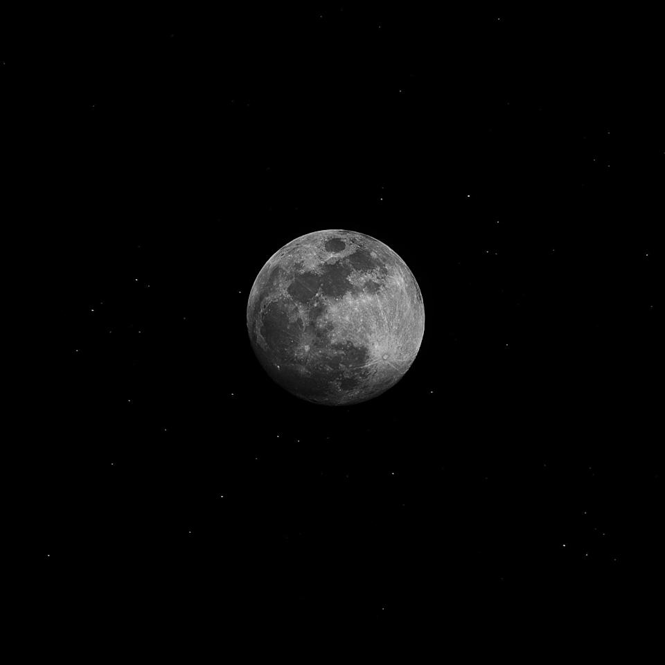 """<p>You can catch November's full <a href=""""http://www.almanac.com/full-moon-names"""" class=""""link rapid-noclick-resp"""" rel=""""nofollow noopener"""" target=""""_blank"""" data-ylk=""""slk:beaver moon"""">beaver moon</a> - also referred to as a frost moon - on the 19th of the month this year. </p>"""