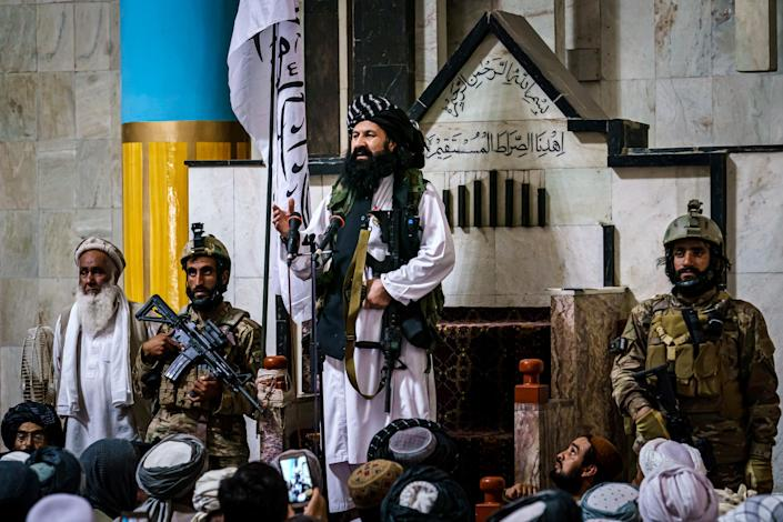 FRIDAY PRAYERS FOR TALIBAN CONTROL IN KABUL (Marcus Yam / Los Angeles Times via Getty Images)