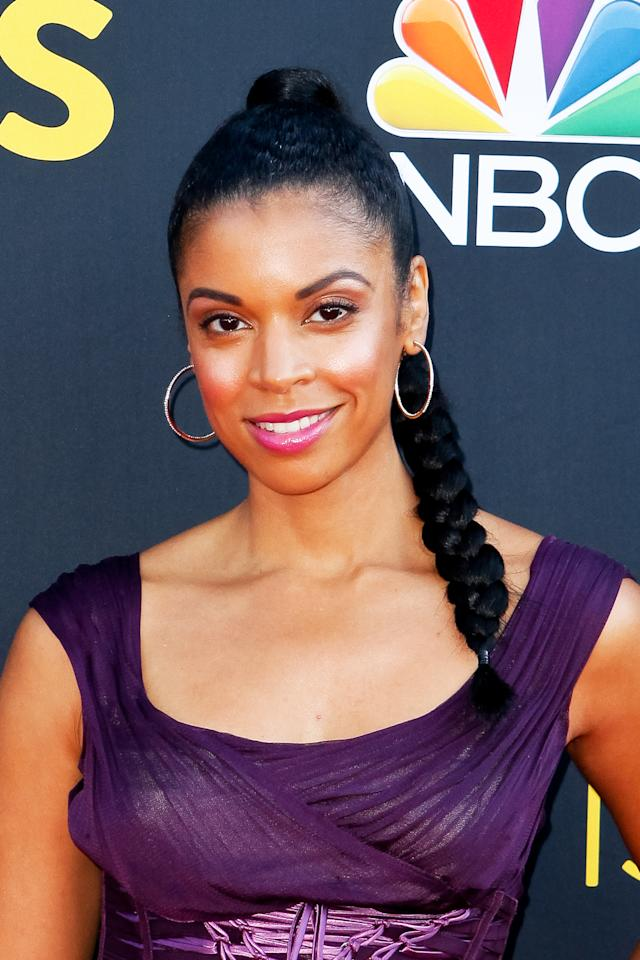 <p>The <i>This Is Us</i> actress celebrated the Season 2 premiere in Los Angeles wearing a braided ponytail and fuchsia lips. (Photo: Tibrina Hobson/Getty Images) </p>