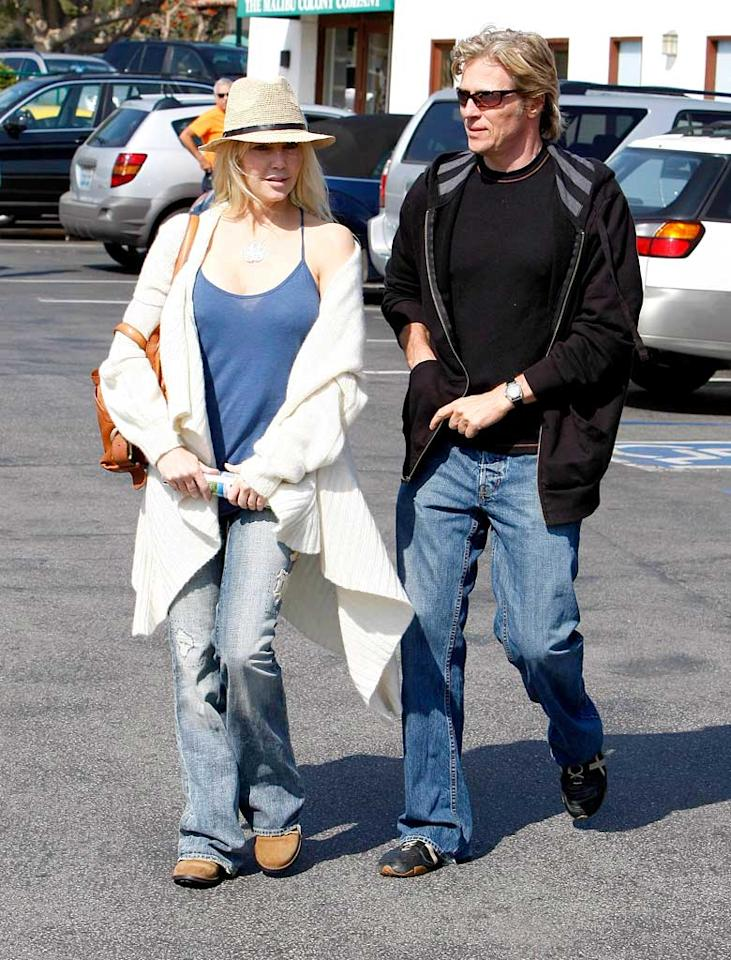 "Heather Locklear and her former ""Melrose Place"" co-star Jack Wagner head to Malibu's trendy Tra di Noi for lunch. The casual Italian eatery is best known for its romantic atmosphere and celeb patronage. <a href=""http://www.x17online.com"" target=""new"">X17 Online</a> - March 14, 2008"