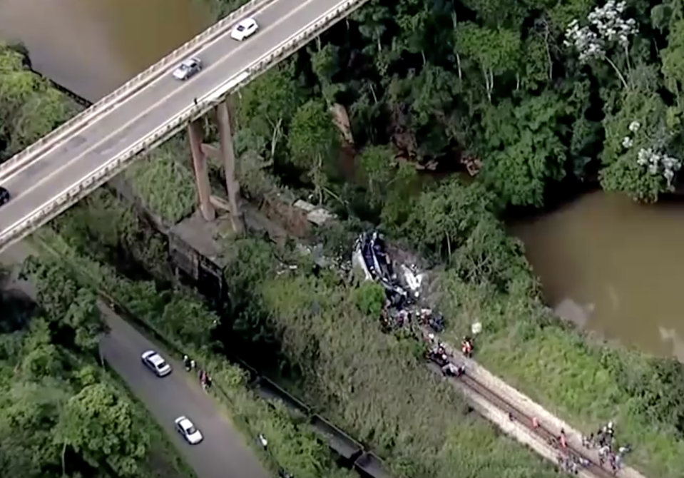 Bus falls off viaduct in Brazil, killing 16