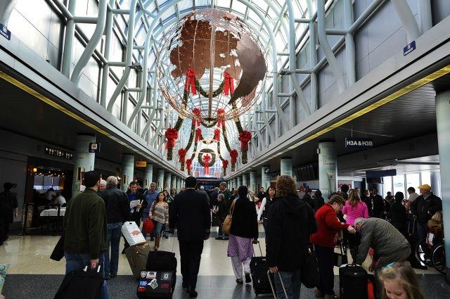 New figures show 51 million travelers predicted to fly on US airlines this holiday season