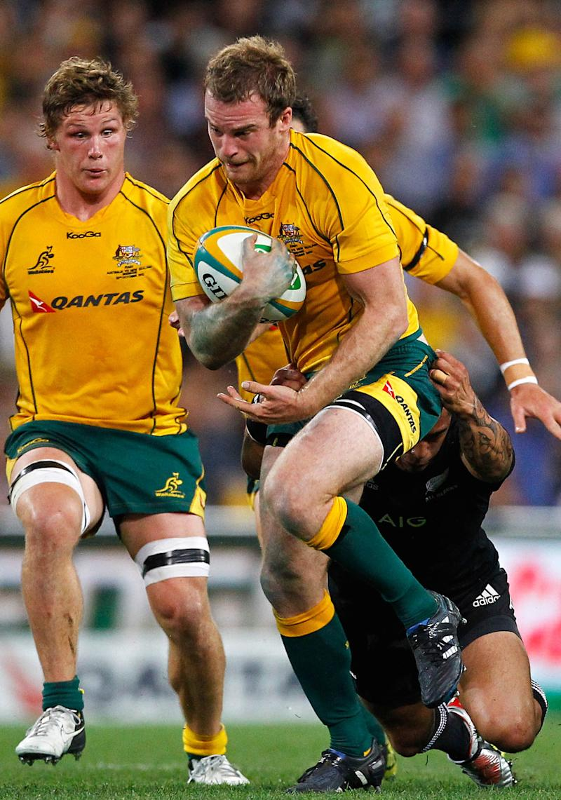 Rugby union - Broken neck forces Wallaby McCabe to retire