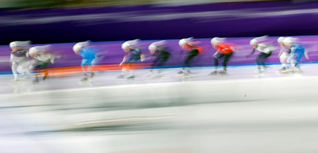 Speed Skating - Pyeongchang 2018 Winter Olympics - Men's Mass Start semifinal - Gangneung Oval - Gangneung, South Korea - February 24, 2018 - Athletes compete. REUTERS/Phil Noble TPX IMAGES OF THE DAY